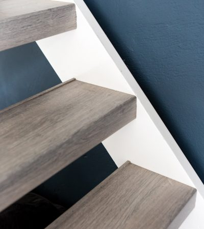 ... Staircase Renovation.  Grijze Open Trap Traprenovatie Wereldcollectie Decor Silver Oak